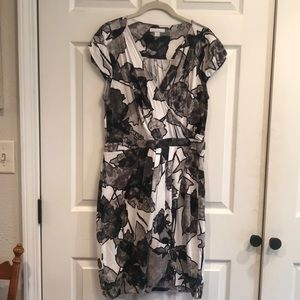 New York & Co size Large wrap style dress